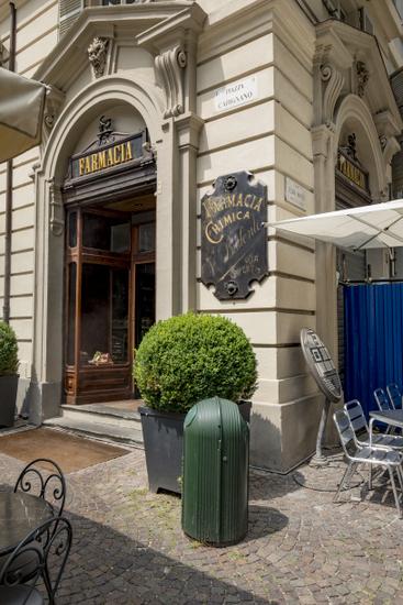 Turijn_Pharmacia_del_Cambio_(1).jpg