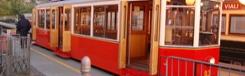 Met het rode treintje